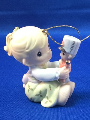 May Your Christmas Begin With A Bang! - Dated Annual 2001 Precious Moment Ornament